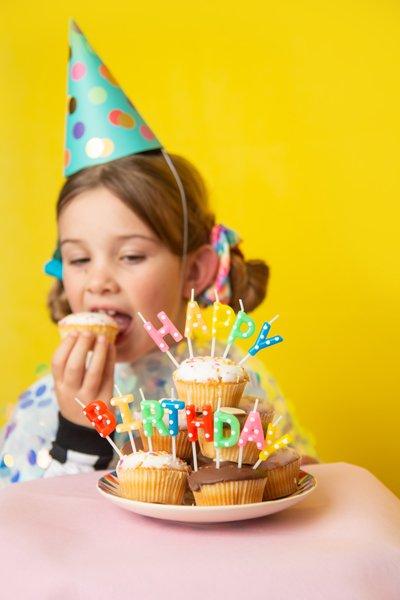 <b>Velas de cumpleaños Happy Birthday</b> <br> Mix, 13 unidades